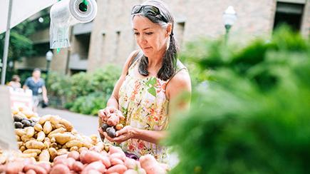 members-toc-specialists-woman-farmers-market